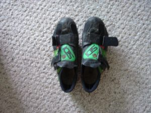 Beat up, ratty shoes. These are SIDI Genius 2s. For reference, SIDI is now making Genius 6s.