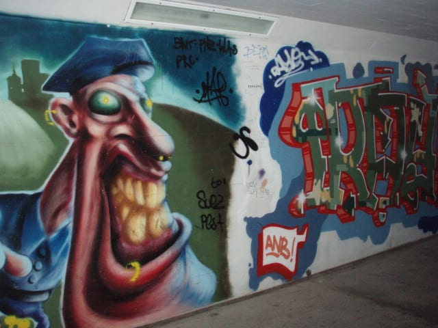 I am nuts about this graffiti, too